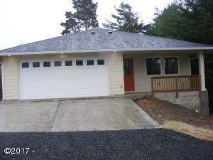 237 SW 29th St, Newport, OR 97365 - Exterior