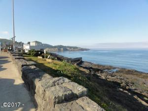 6600 NE Creekside Ct, Depoe Bay, OR 97341 - The town
