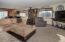 720 NE Jeffries Pl, Newport, OR 97365 - Living Room