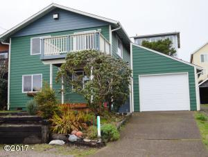 946 SW 12th St, Newport, OR 97365 - Front