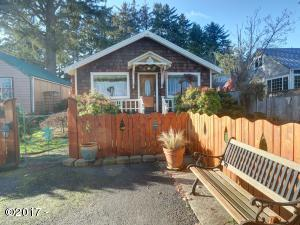112 SE Fogarty St, Newport, OR 97365 - Front of House
