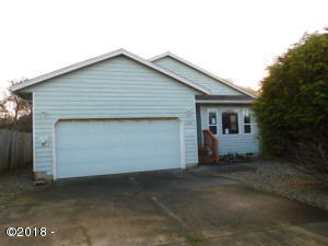 123 NW 57th St, Newport, OR 97365 - Front