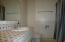 658 NE 20th Pl, Newport, OR 97365 - Bath 2