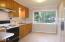 658 NE 20th Pl, Newport, OR 97365 - Kitchenette