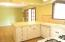 3043 NE 32nd Dr, Lincoln City, OR 97367 - Kitchen with eating area
