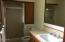 3043 NE 32nd Dr, Lincoln City, OR 97367 - Bath with shower