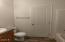 6090 NE Evergreen Ln, Newport, OR 97365 - Guest bathroom