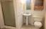 3252 SW Anchor Ave, Lincoln City, OR 97367 - 1 of 2 Bathrooms