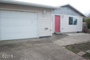 141 NW 58th St, Newport, OR 97365