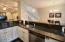325 NW Coast St, H, Newport, OR 97365 - Kitchen2
