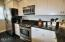 325 NW Coast St, H, Newport, OR 97365 - Kitchen3