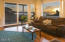 425 SE Scenic Loop, Newport, OR 97365 - Living room