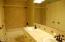 46555 Hwy 101 S, Neskowin, OR 97149 - Upper bath