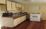 437 Aqua Vista Loop, Yachats, OR 97498 - Kitchen