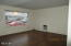 24 SW Lee St, Newport, OR 97365 - Living room