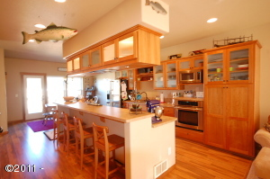 6458 Shade St, Pacific City, OR 97135 - Kitchen
