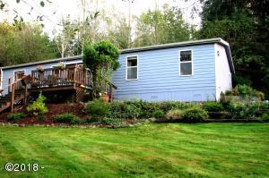 126 N Echo Dr, Otis, OR 97368 - front yard and house