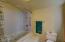 824 SE Crescent Pl, Newport, OR 97365 - Master bath.