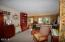 267 SE 118th St, South Beach, OR 97366 - Living Room