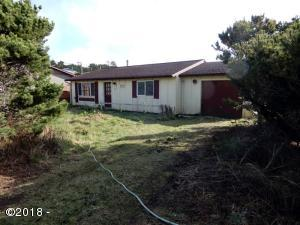 2001 NW Mackey St, Waldport, OR 97394 - Front of home