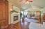 150 SW 61st St, Newport, OR 97366 - Living room