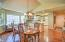 150 SW 61st St, Newport, OR 97366 - Dining