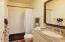 150 SW 61st St, Newport, OR 97366 - Guest bath