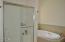 730 NE Alder St, Toledo, OR 97391 - Master Bathroom