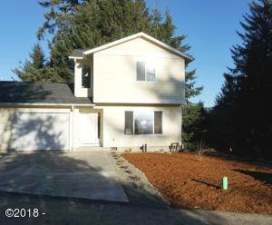 2270 NE Surf Avenue, Lincoln City, OR 97367 - 2270 Sunny Day Exterior