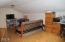 730 NE Alder St, Toledo, OR 97391 - Bonus Room
