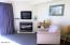 5201 SW Hwy 101, 406, Lincoln City, OR 97367 - Gas fireplace
