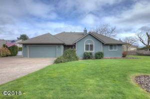 2424 SW Maplewood Dr, Dallas, OR 97338 - Front