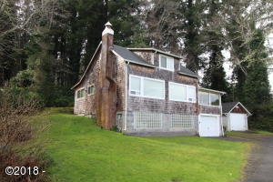 2947 NE Lake Dr, Lincoln City, OR 97367 - Front