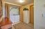 2151 NW Inlet Ave, Lincoln City, OR 97367 - Washer/dryer included