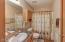 821 SE Vista Dr, Newport, OR 97365 - Full Bath