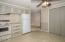 621 SE Reef Ave, Lincoln City, OR 97367 - Kitchen