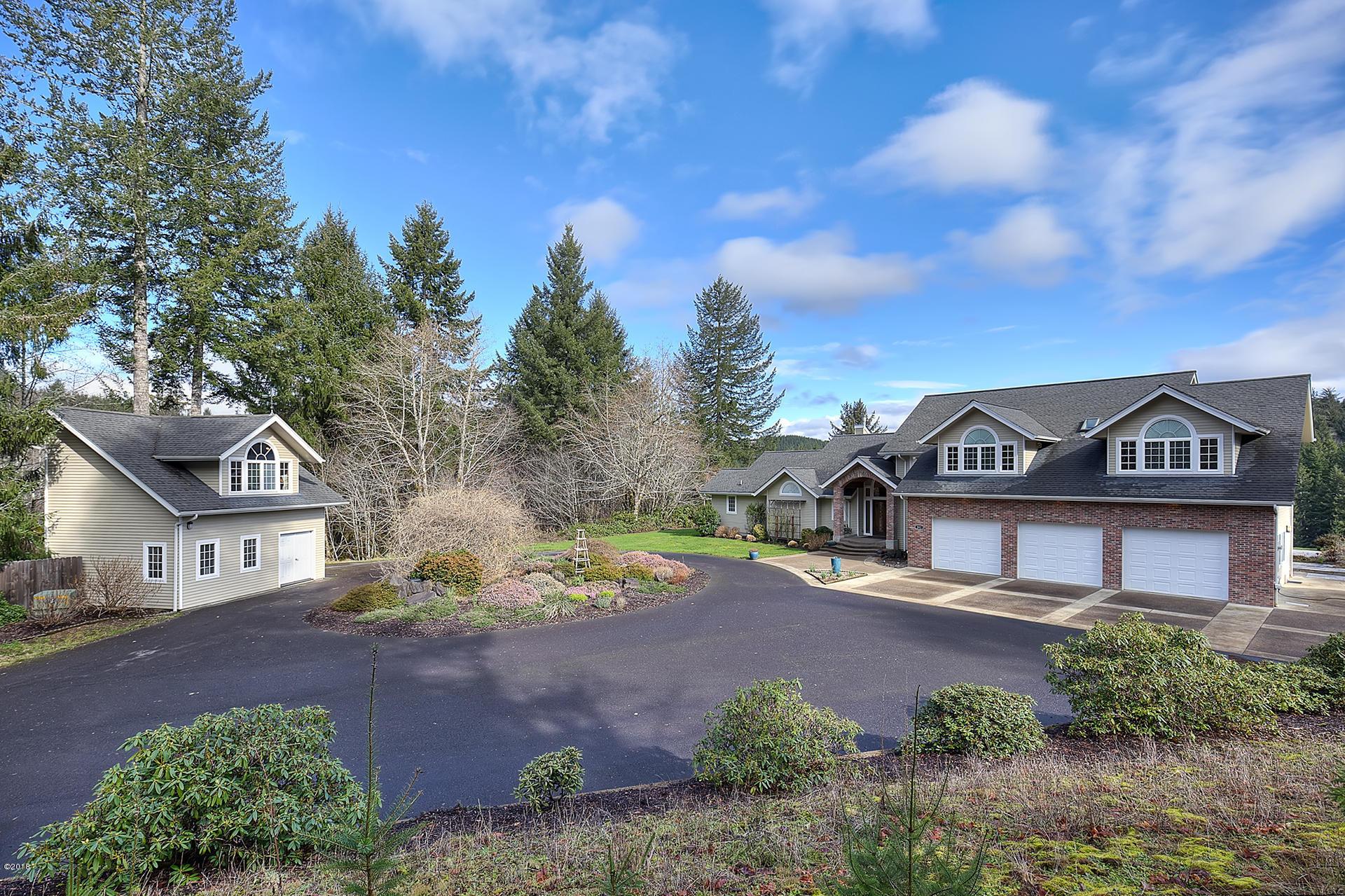 202 Olalla View Drive, Toledo, OR 97391 - Fabulous Home w/circular driveway