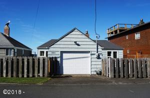 3885 NW Jetty Avenue, Lincoln City, OR 97367