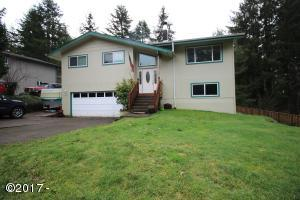 457 NW 12th Pl, Toledo, OR 97391 - Front of home