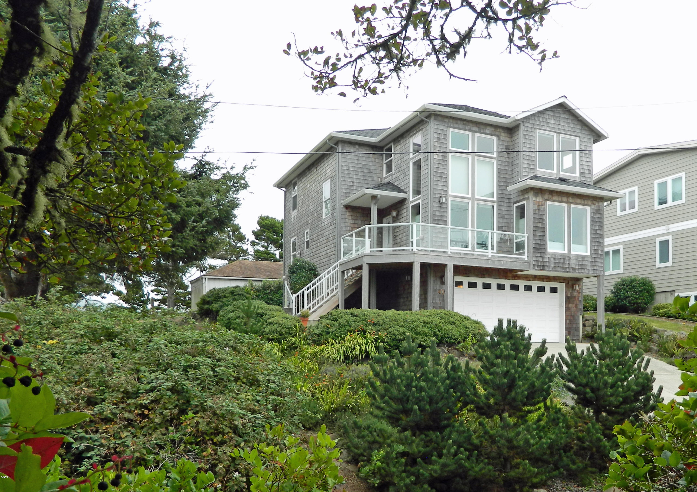 410 SW Coast Ave, Depoe Bay, OR 97341