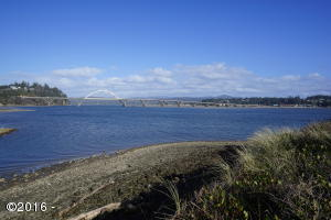 1902 NW MARINEVIEW DR, Waldport, OR 97394