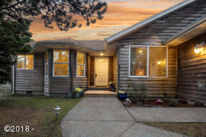 34320 Cape Kiwanda Dr, Pacific City, OR 97112 - Welcome Home!