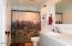 2032 SE Laurel St, Toledo, OR 97391 - Bathroom