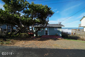 3845 Lincoln Ave, Depoe Bay, OR 97341 - Cabin