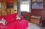 1936 NE Oar Ave, Lincoln City, OR 97367 - Living room