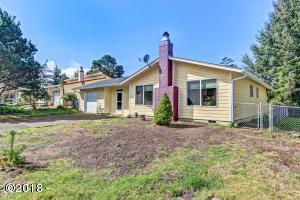 1010 SE Rolph Ct, Waldport, OR 97394 - Front Of The Home