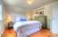 528 SW Smith Ct, Newport, OR 97365 - Guest Bedroom 1