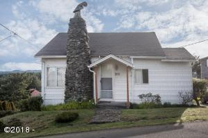 704 SW Fleet Ave., Lincoln City, OR 97367 - Curbside
