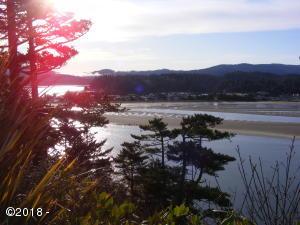 939 NW Highland Dr, Waldport, OR 97394 - sunrise up river