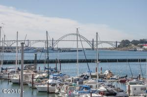 890 SE Bay Blvd, 305, Newport, OR 97365 - Fabulous Views